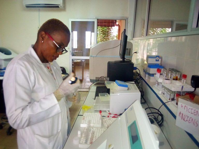 chercheur-labo-CRSPP-IMPM
